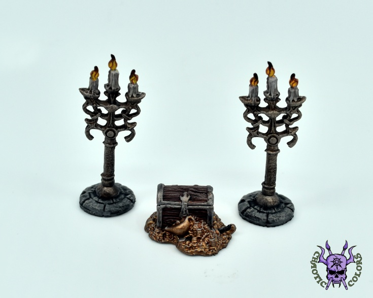 Treasure Pile & Candleabra (by Reaper Miniatures) (1)